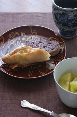 朝はパン4
