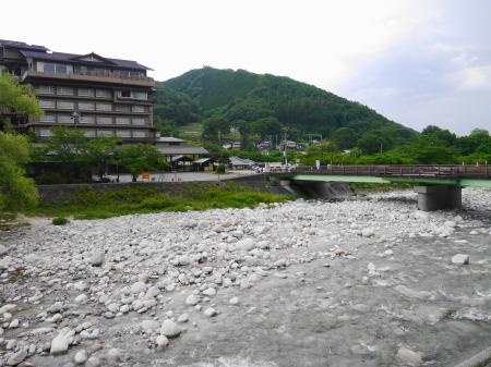 阿智川沿い