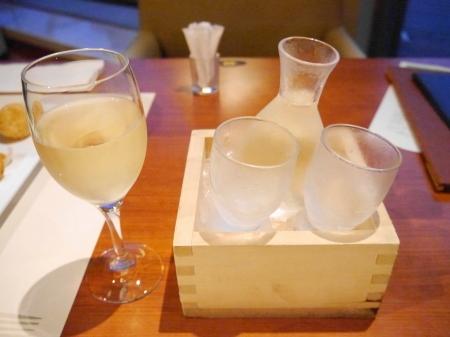 グラスワインと地酒