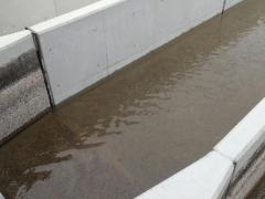 新水路に通水
