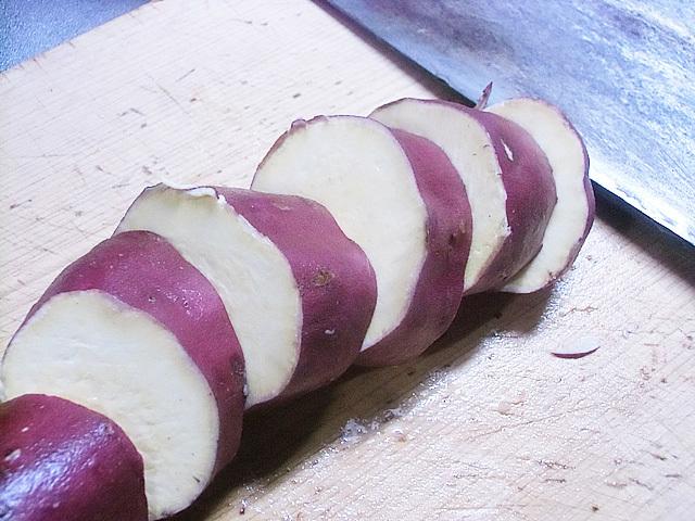 サツマイモは輪切り