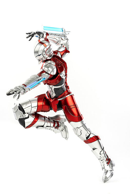 ULTRAMAN SUIT (Anime Version) 可動フィギュアFIGURE-047421_05