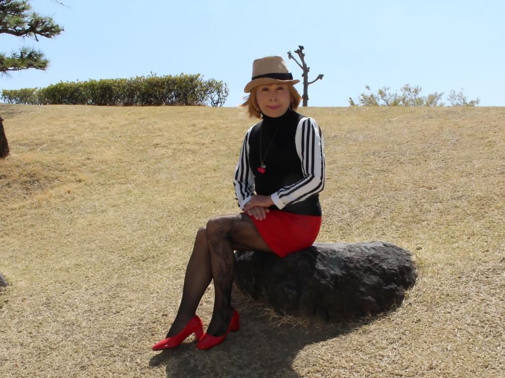 赤ミニスカ帽子と桜D(6)