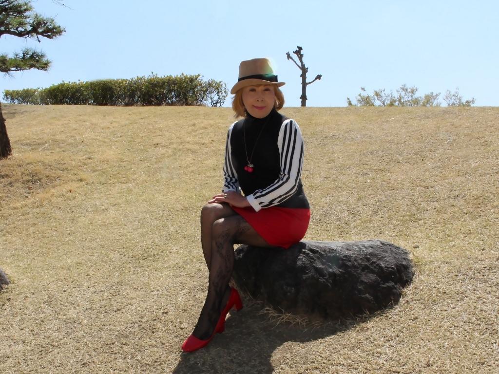 赤ミニスカ帽子と桜D(7)