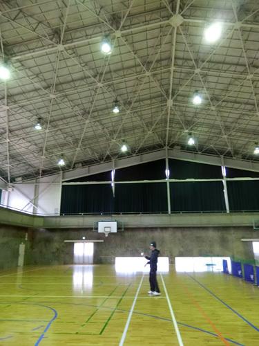 天井、けっこう高いですね。