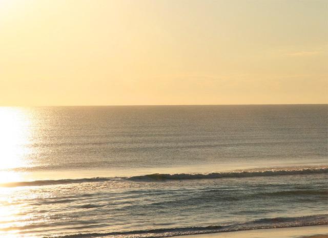 静かな海の風景イメージ
