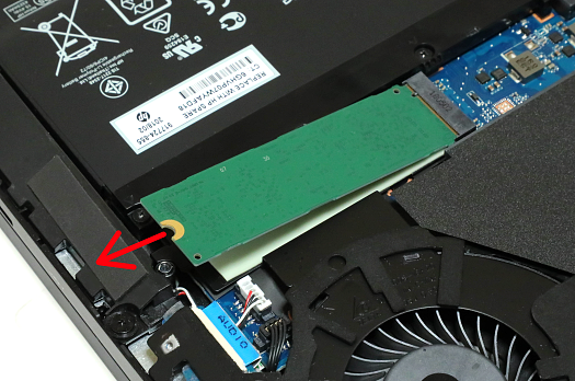 SSDの取り外し_0G1A4724