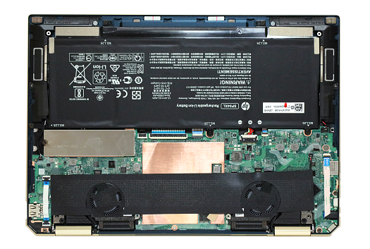 HP-Spectre-x360-13-ap0000_の内部_0G1A4942-2