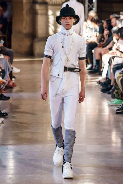TAKAHIROMIYASHITATheSoloist__2020SS_Men_s_Collection_runway_gallery-1.jpg