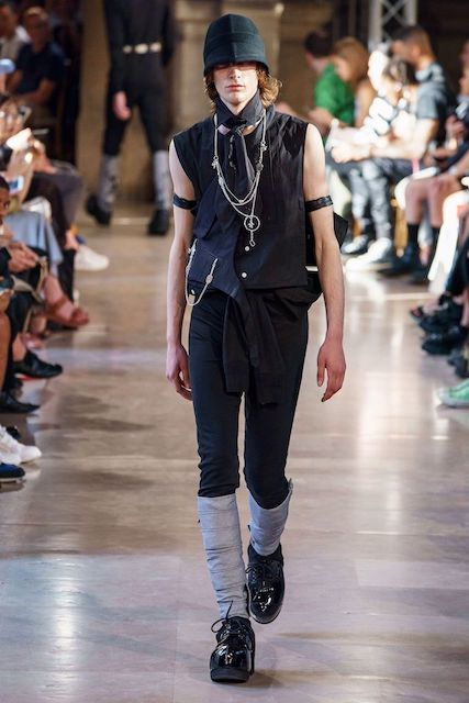 TAKAHIROMIYASHITATheSoloist__2020SS_Men_s_Collection_runway_gallery-30.jpg
