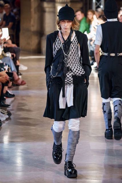 TAKAHIROMIYASHITATheSoloist__2020SS_Men_s_Collection_runway_gallery-9.jpg