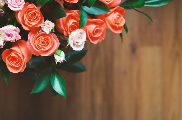 bouquet-flowers-composition-roses-background-postcard_102752-3.jpg