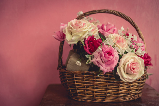 vintage-pink-rose-basket-with-space-text_43300-966.jpg