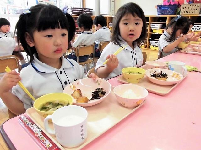 年少クラス給食の時間6