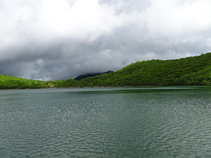 あやしい雲、黒檜山も雲の中