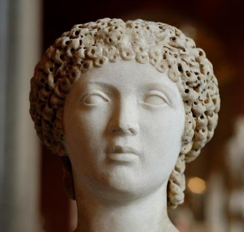 Female_portrait_Louvre_Ma1269_convert_20190614105915.jpg
