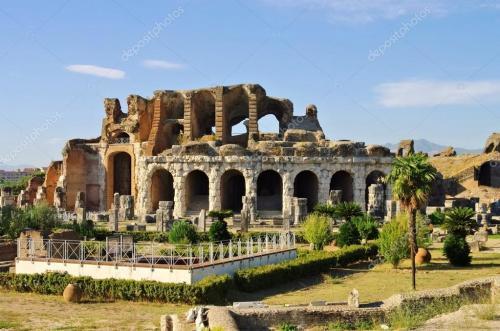depositphotos_42043991-stock-photo-capua-amphitheatre_convert_20190612174232.jpg