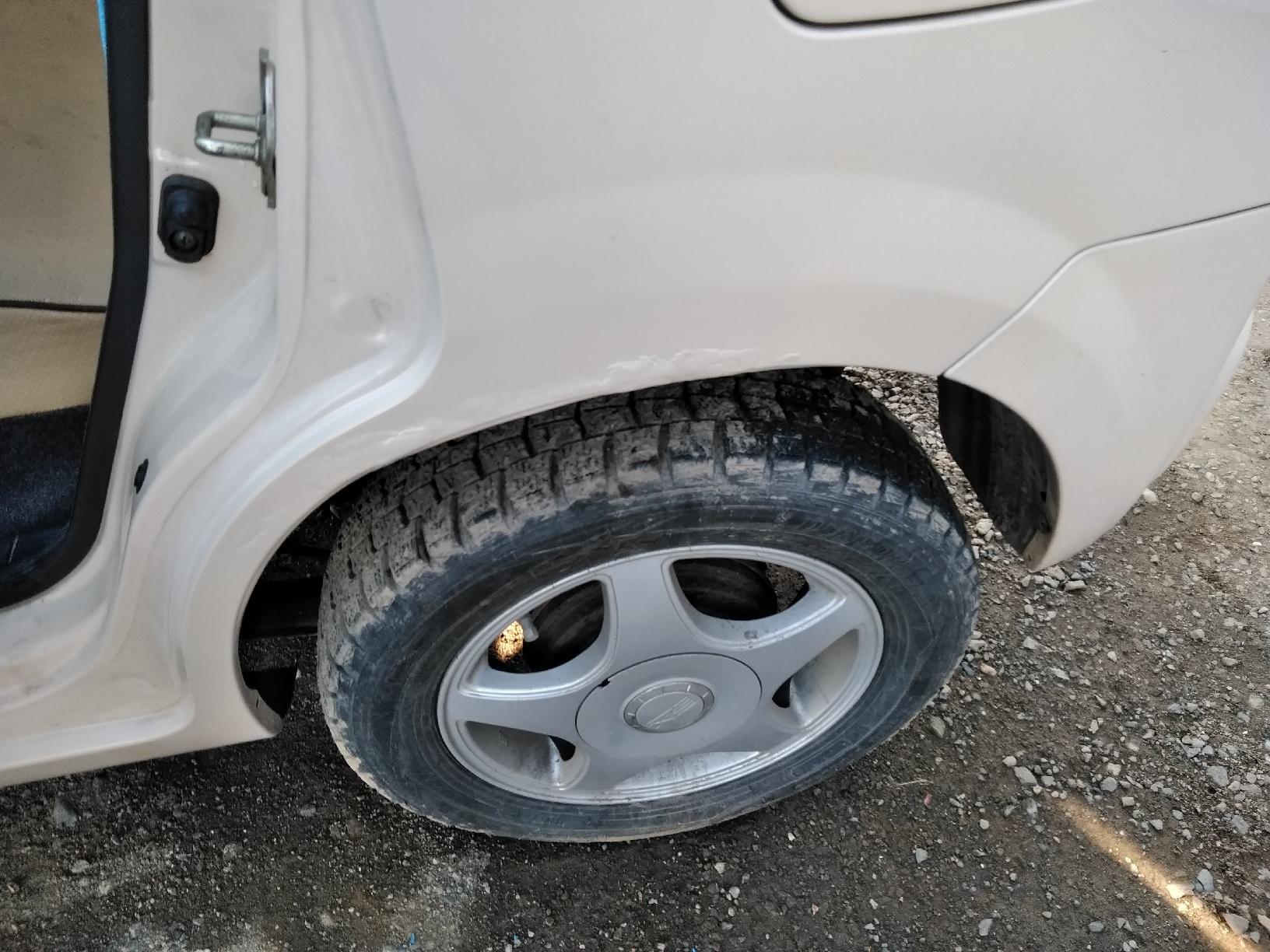 車のサビ傷の補修9