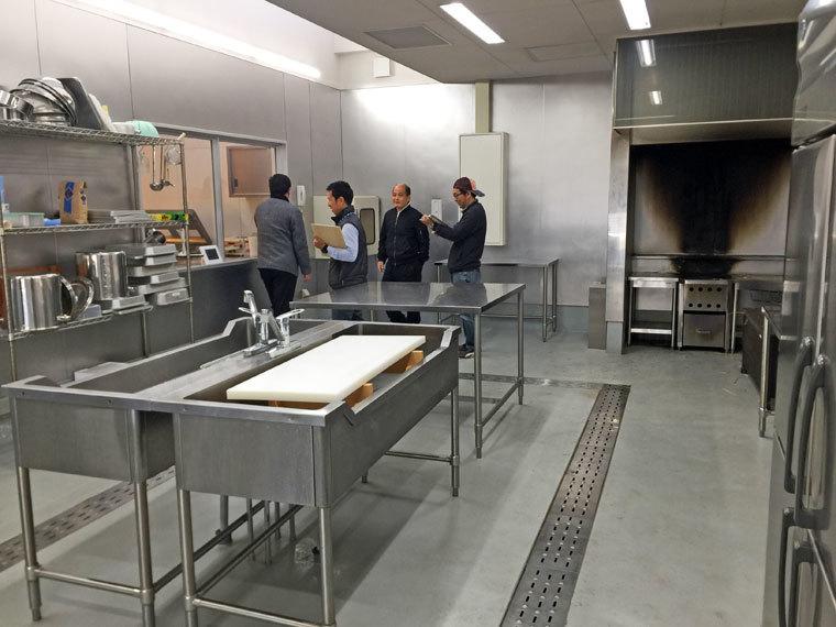 鰹乃國水産室内-1