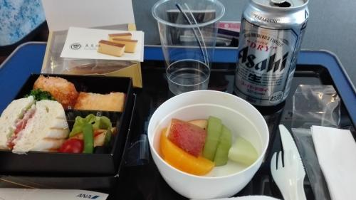 ANA710便(新千歳→中部)の機内食