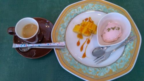 エスプレッソとかぼちゃプリン、桜アイス