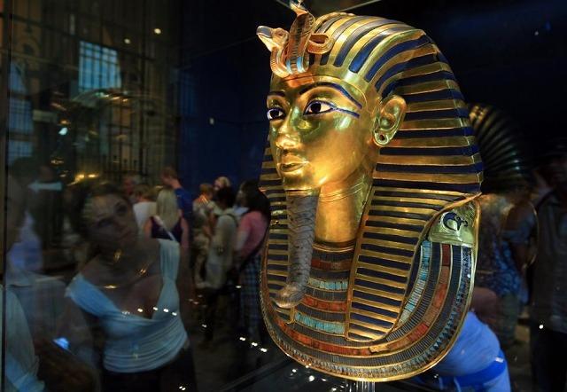無題黄金のマスク