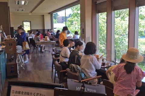 2階のカフェ