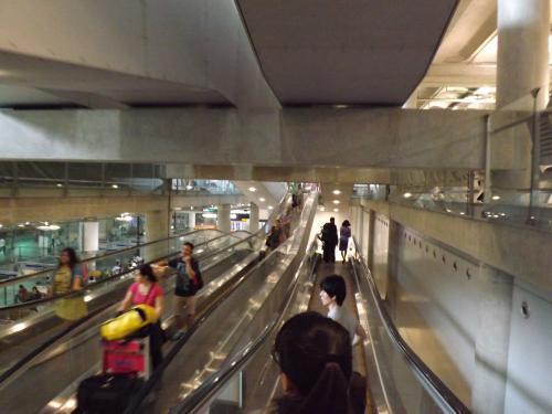 スワンナプーム国際空港 移動中