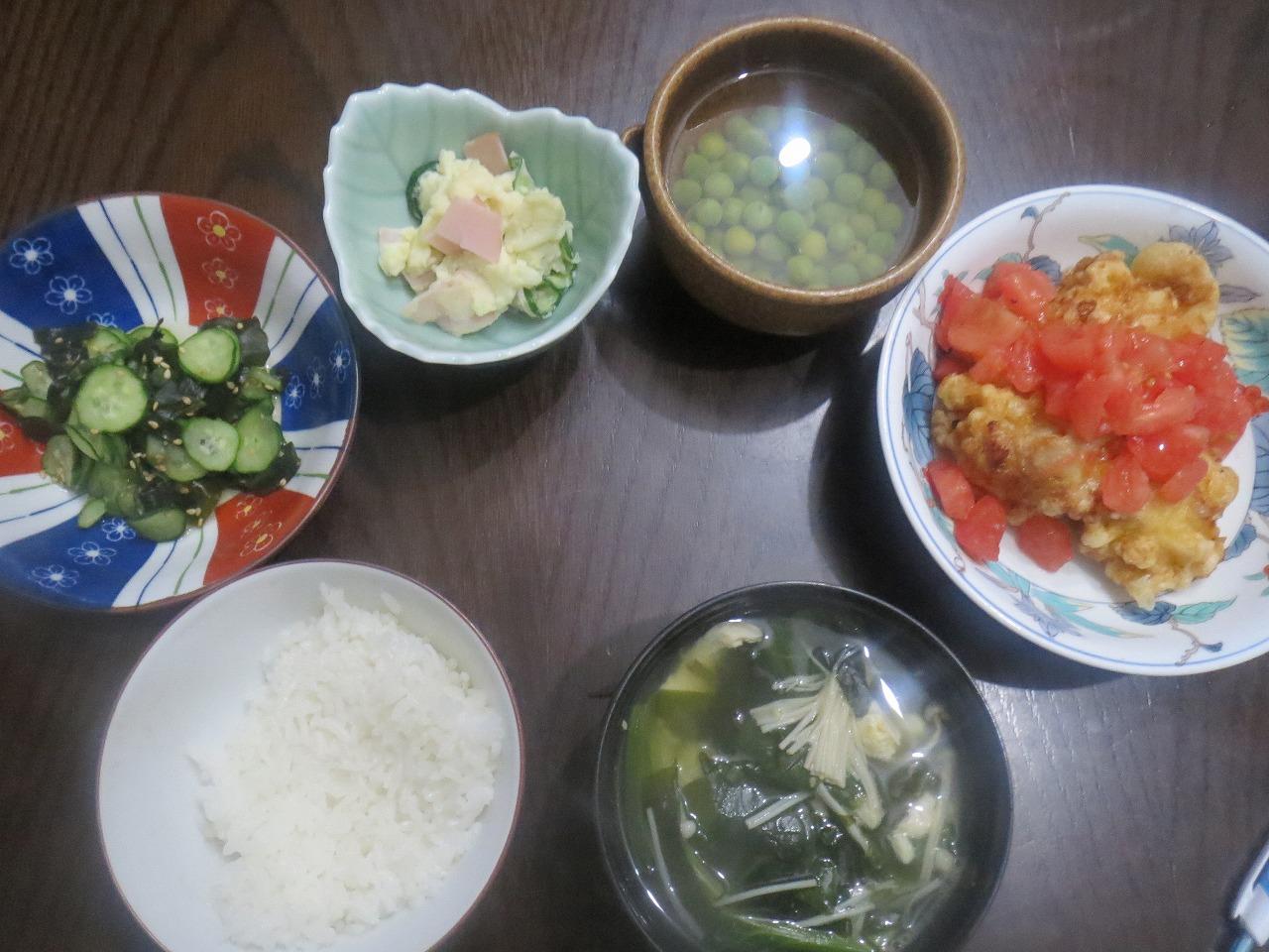 とり天、青豆、ポテサラ、スープ
