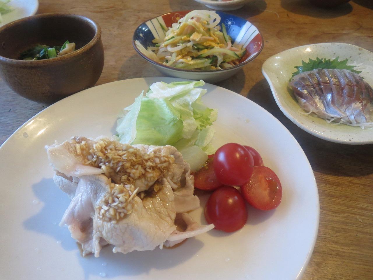 豚しゃぶの葱ソース、三食和え、アジ、、チンゲン菜