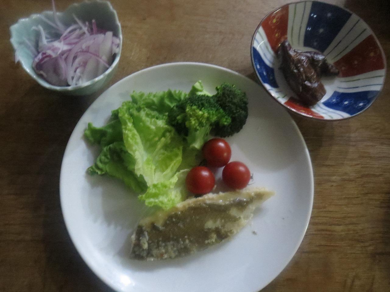 魚ムニエル、紫玉ねぎ、ナス