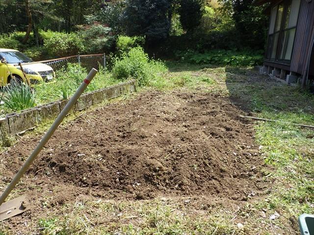 畑を耕した後