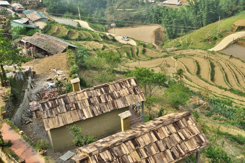 カットカット村 (1)