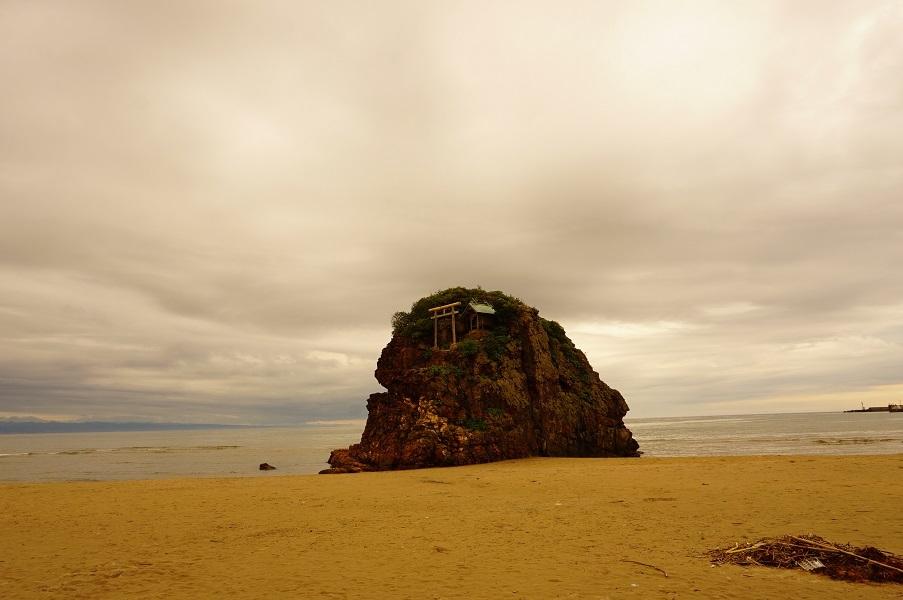 07 稲佐の浜弁天島 遠景
