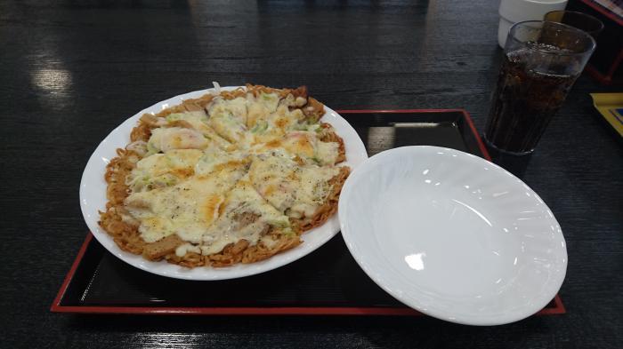 ラーメンピザ2