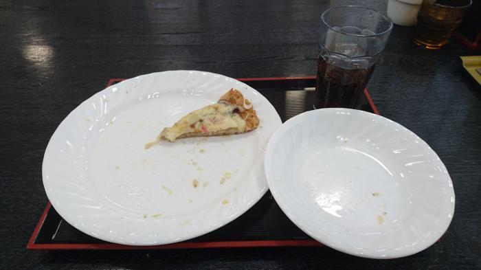 ラーメンピザ8