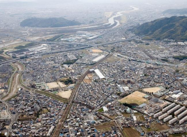 山崎の戦いの舞台となった山崎一帯空撮