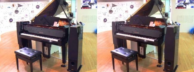 浜松駅コンコース ヤマハ自動演奏機能付きグランドピアノ ディスクラビアC3X-ENPRO(交差法)