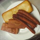 31.4.11燻製チーズ、ベーコン、ソーセージ