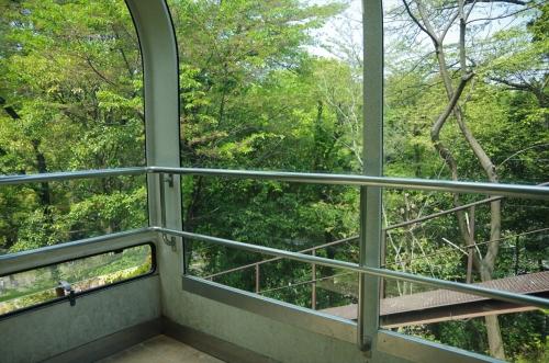 福岡市動物園と植物園を繋ぐスロープカー