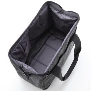 荷物の量で広げられる撥水ボストンバッグ2