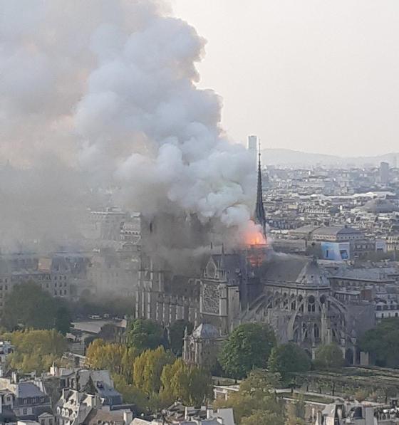 ノートルダム大聖堂 パリ 世界遺産 フランス 火事