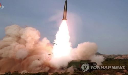 文在寅 国家情報院 金正恩 短距離ミサイル 飛翔体 宥和政策