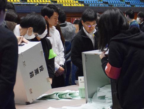 統一地方選前半戦、自民が過半数を維持、立憲民主・国民民主は前回獲得した264議席から減らし200議席 … パヨク「最早絶望感しかない。不正選挙に対する疑念が益々深まった」