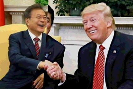 わずか2分で終了した米韓首脳会談、文在寅大統領は「国民の声援に力づけられ韓米首脳会談は成功裏に終えた」と満足気 … トランプは「韓国が把握する北朝鮮の立場を早急に知らせろ」と言ったのみ