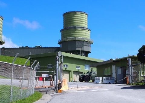 自衛隊基地をドローンで盗撮していた沖縄タイムス記者「基地にドローン飛ばして撮影してたら警察呼ばれた。国民の知る権利が奪われる」「ドローン規制法改正案が成立すれば現場でさらに拡大解釈される」