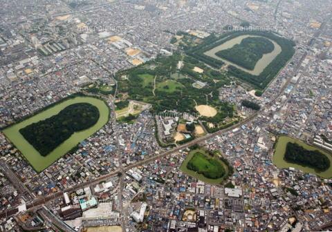 ユネスコ機関、仁徳天皇陵を含む「百舌鳥・古市古墳群」を世界文化遺産に登録するよう勧告 … 日本の世界遺産は文化19、自然4の計23件、陵墓が世界遺産になるのは初