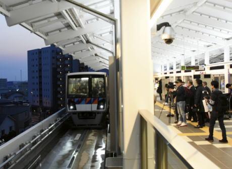逆走事故を起こした横浜市の無人運転システム「金沢シーサイドライン」、運行を制御する自動列車運転装置(ATO)の地上側装置の記録に異常が見られず … 車両側とのやりとりで何らかの不具合が起きた可能性
