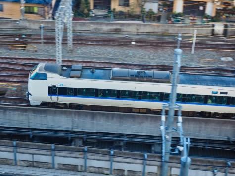 JR北陸本線 683系4000番台 特急 サンダーバード8号【金沢駅付近】