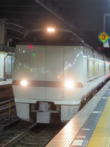 JR北陸本線 681系 特急「ダイナスター」【金沢駅】